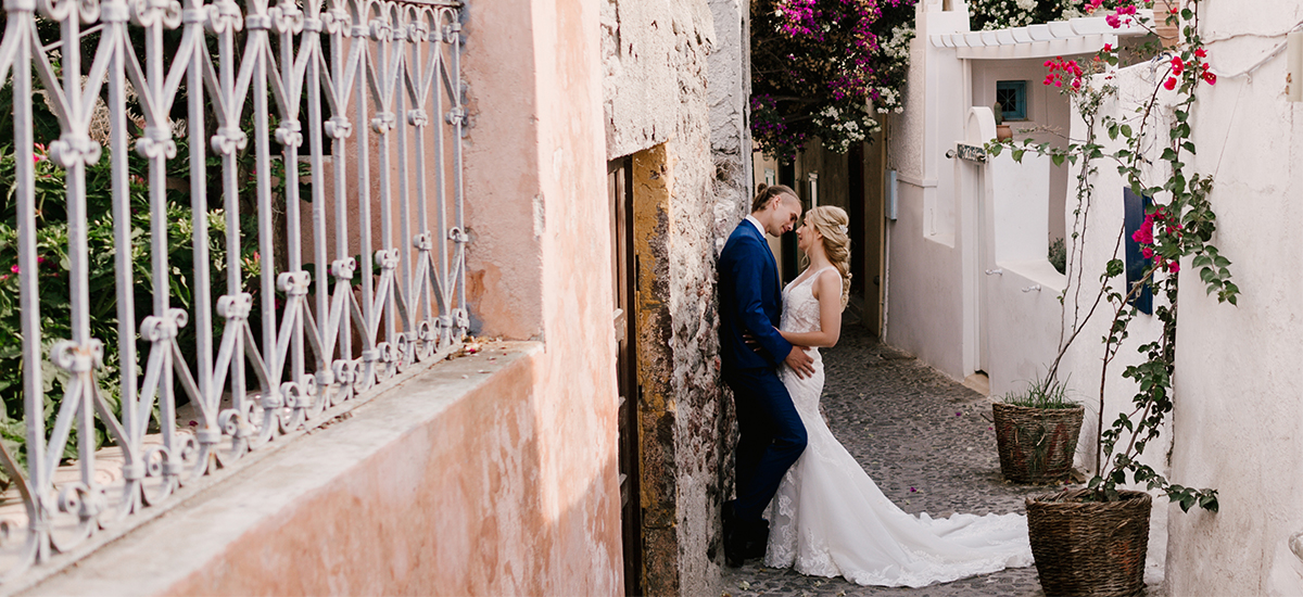 cover in elopement destination wedding santorini dana villas photographer photography greek islands dayafter