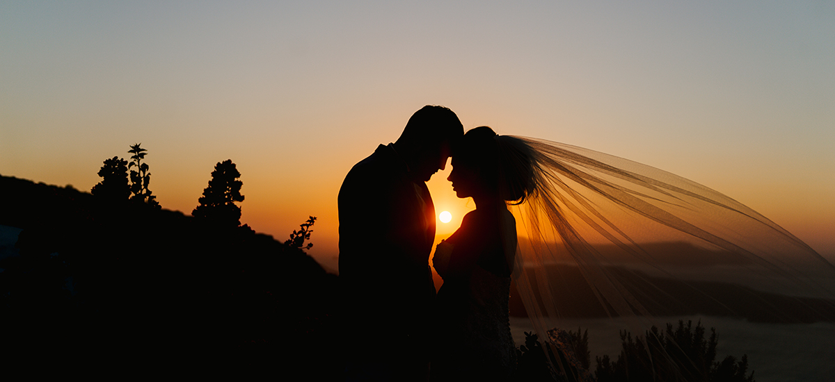 cover in wedding photography santorini destination sunset videography venetsanos winery