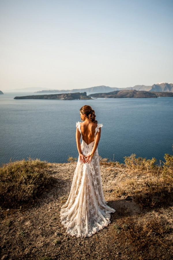 The Absolute Vintage Style Wedding in Santorini