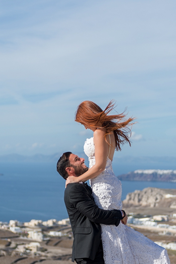 A breathtaking after wedding session at Pyrgos, Santorini