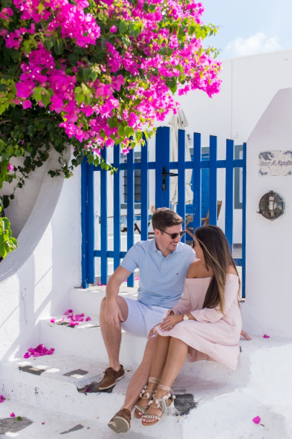 Pre-wedding photography in Santorini