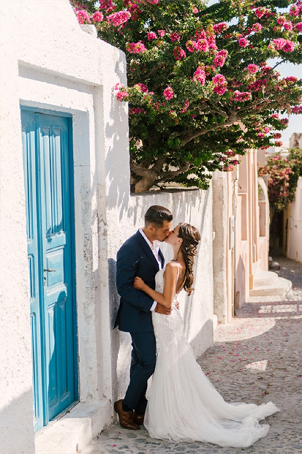 Romantic After Wedding Session at Oia