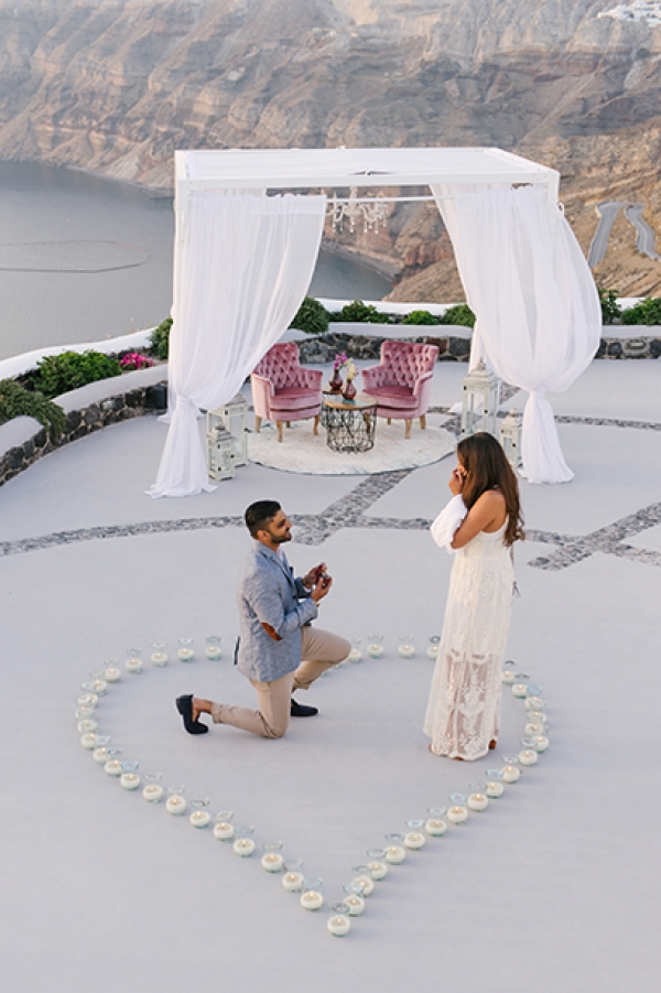 A magical wedding proposal in Venetsanos Winery!