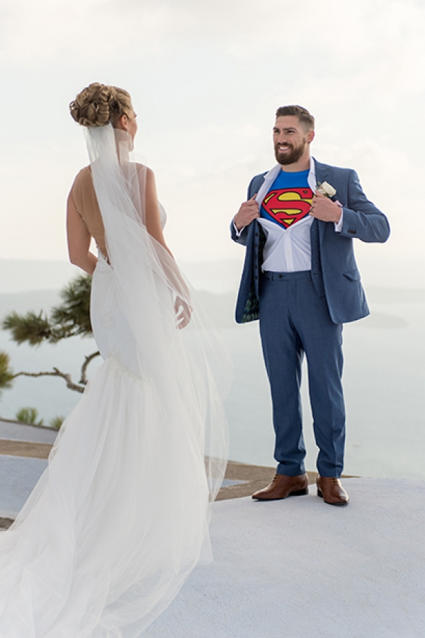Elegant October wedding: Superheroes in Santorini!
