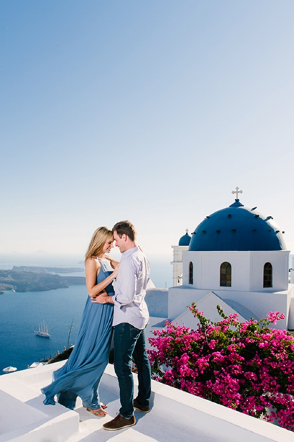 Pre-Wedding photography at Imerovigli, Santorini!