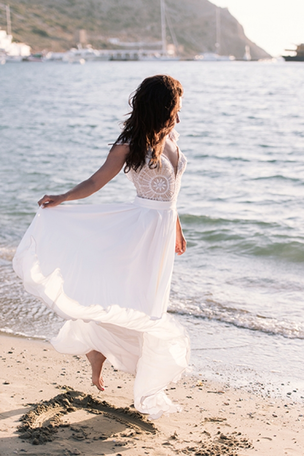 Breathtaking after wedding session in Sifnos!